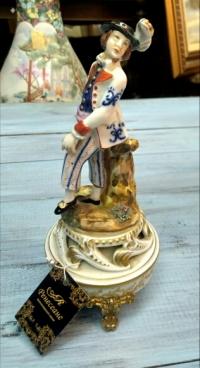 Статуэтка «Кавалер» нач. ХХ в. Франция.