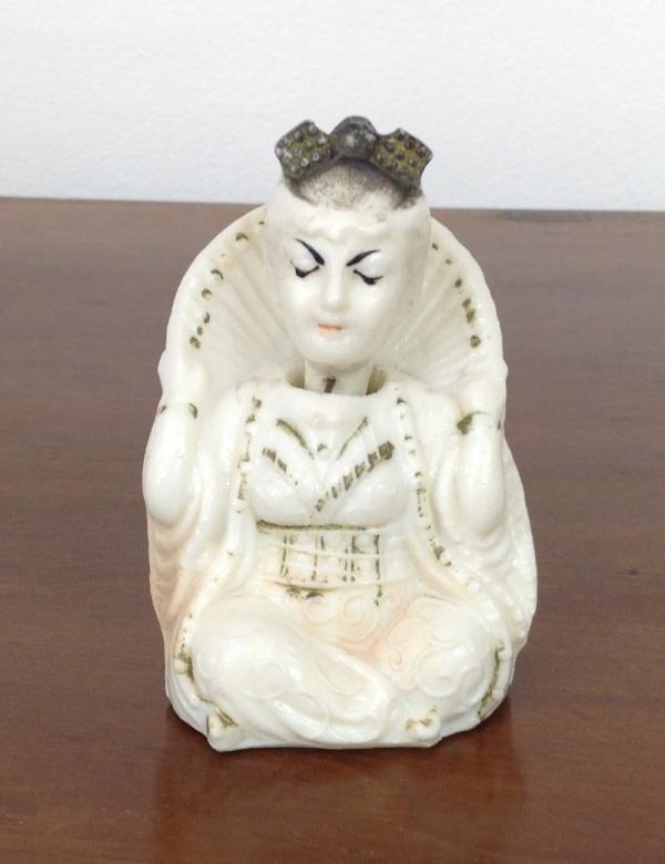 "Статуэтка-неваляшка ""Китаянка"" из карболита"", высота 8 см, 50-е года."