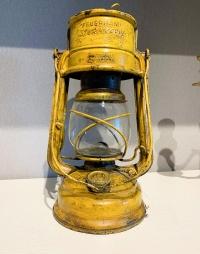 Корабельная керосиновая лампа. FEUER HAND STURMKAPPE (Германия)